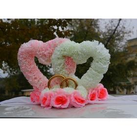 Сердца объёмные на крышу, на подставке из цветов, бело-розовые