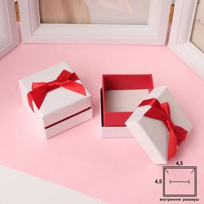 """Коробочка подарочная под кольцо/серьги """"Рафаэлло"""" 5,5см, цвет бело-красный"""