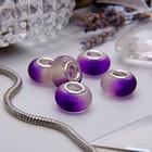 бело-фиолетовый