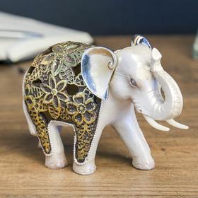 """Сувенир полистоун световой """"Жемчужный слон в цветочной золотой попоне"""" 11,5х16х7 см"""