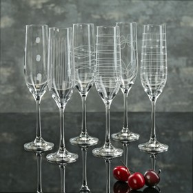 A set of glasses for champagne 190 ml