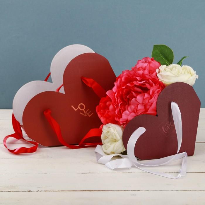 Набор коробок складных сердце с лентами Love, 25 × 20 × 11 см 20 × 16 × 9 см
