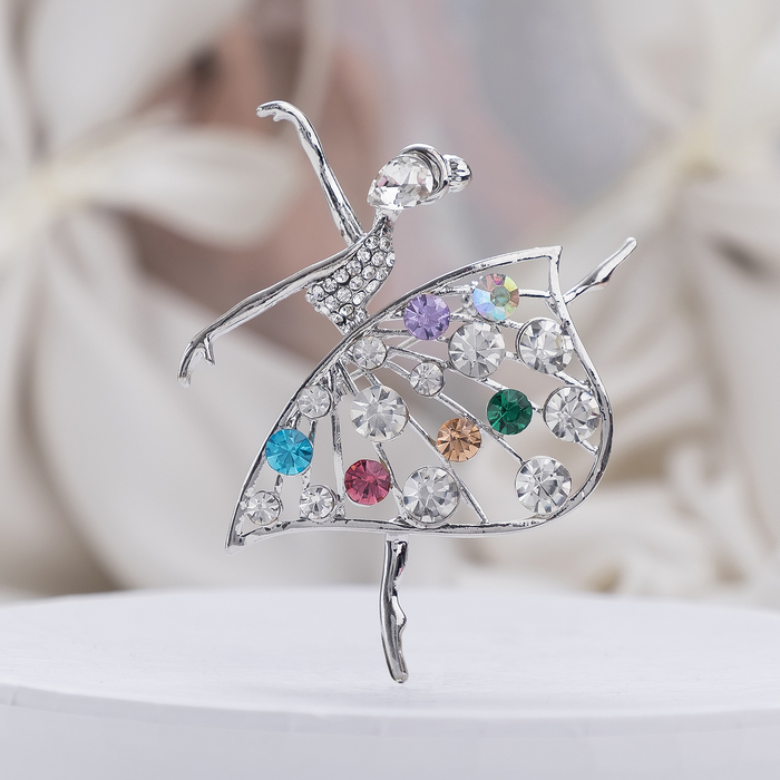 """Брошь спортивная """"Балерина"""" в платье, цветная в серебре"""