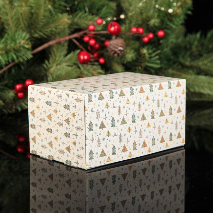 """Коробка картонная на 2 капкейка """"В гостях у елочек"""", 16 х 10 х 8 см"""