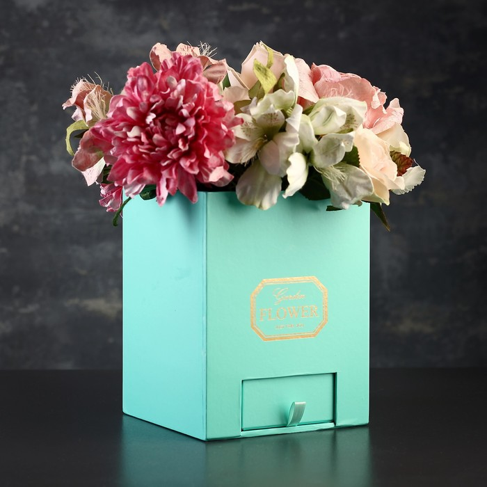 Цветы в коробке краснодар цена