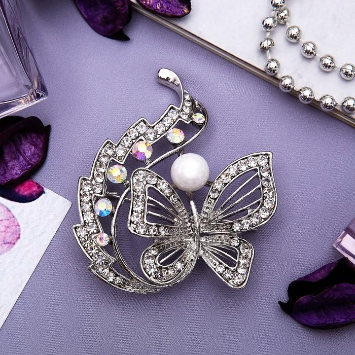 """Брошь """"Бабочка"""" с хвостиком, цвет радужный в серебре"""