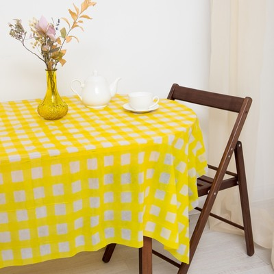 Tablecloth to give the hostess a Cell, yellow color 160×160 cm