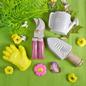 """Пластиковая форма для мыла 3D """"Садовый набор"""""""