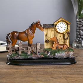 Souvenir Polyresin clock