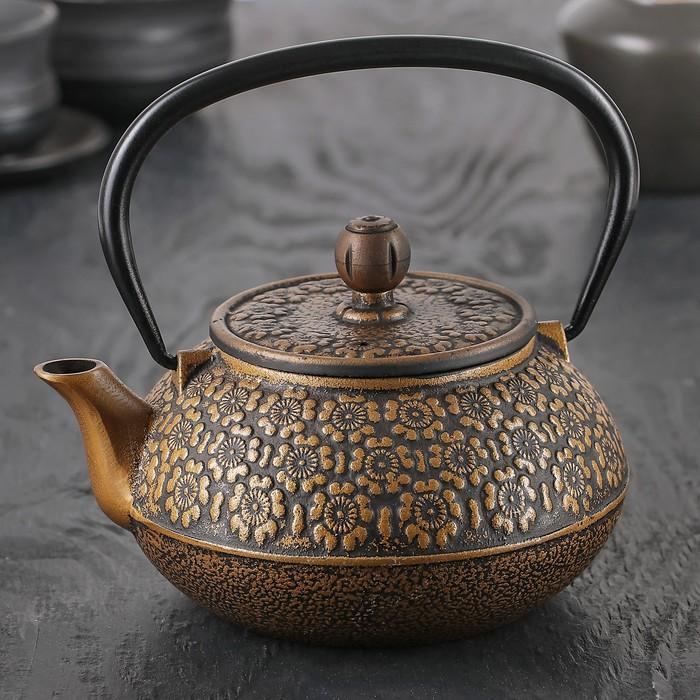 """Чайник с ситом 850 мл """"Золотые цветы"""""""