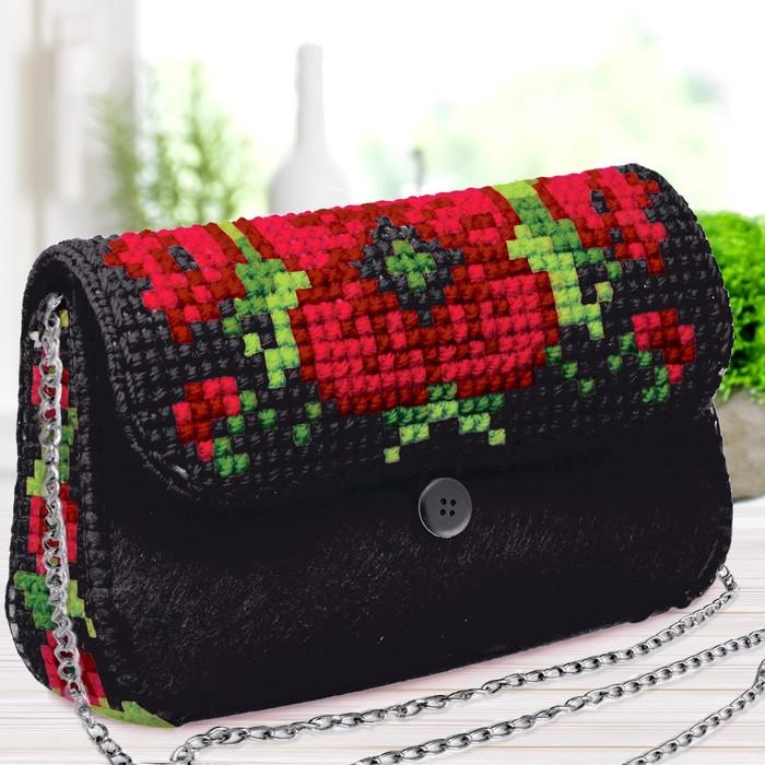 """Вышивка крестиком на сумочке """"Маки"""", 5 цветов нити"""