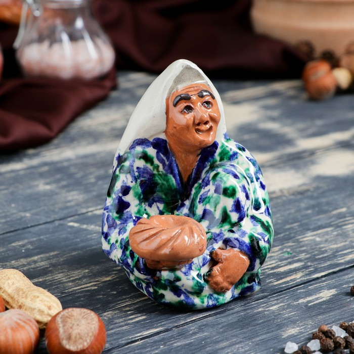 Фигурка керамическая Узбекская женщина 11 см - фото 370257199