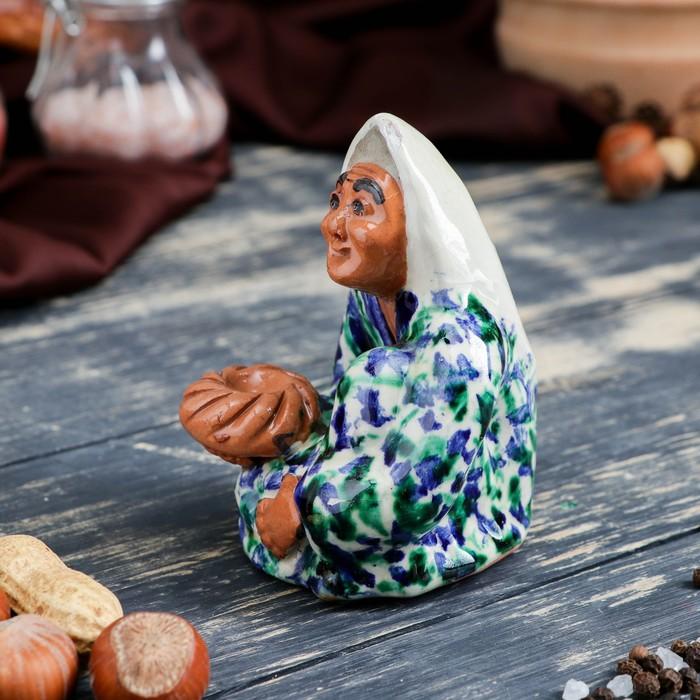 Фигурка керамическая Узбекская женщина 11 см - фото 370257200