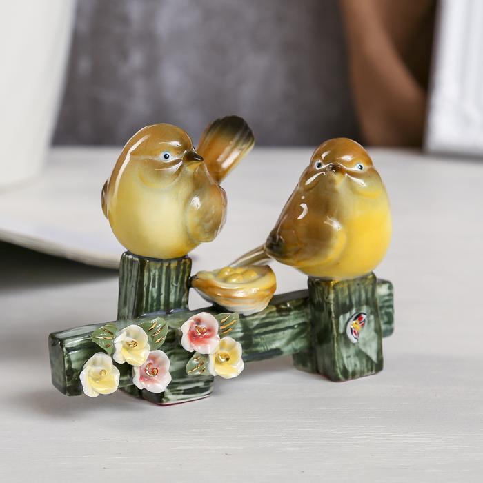 "Сувенир ""Два воробышка на заборе с цветами"" МИКС 10х14,5х5,5 см - фото 798096266"