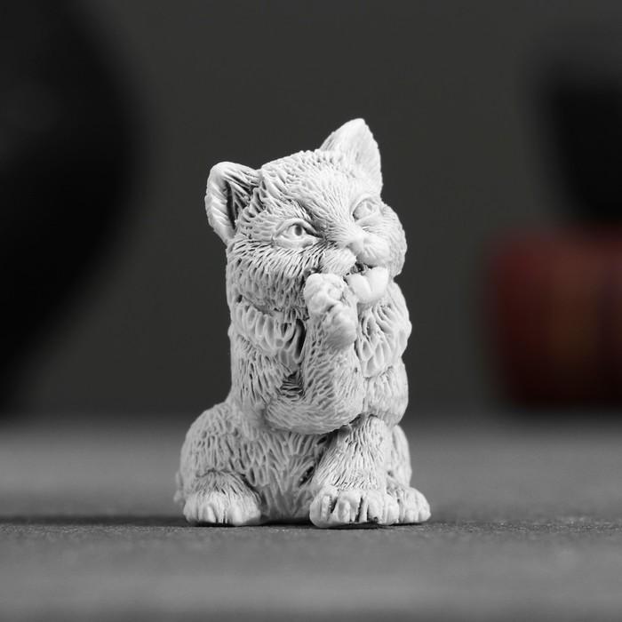 """Сувенир """"Котенок умывается маленький"""" 4,5см"""