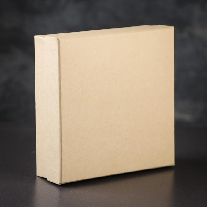 Коробка подарочная 19 х 19 х 6 см