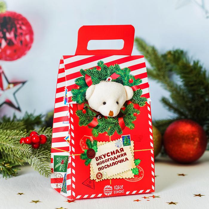 """Мягкая игрушка и конфеты """"Вкусная новогодняя посылочка"""", 300 г"""