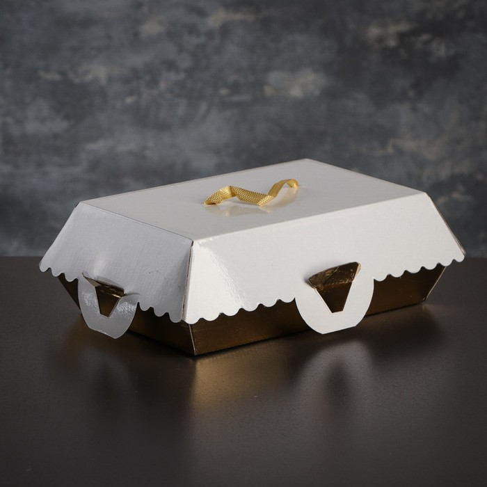 Коробка для пирожных, BON BON, премиум, золотое основание, 23 x 14,5 x 10 см - фото 308035606