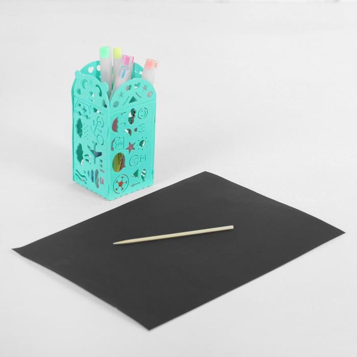 Гравюра с цветным основанием с 4 трафаретами - карандашницей, штихель, цвет голубой