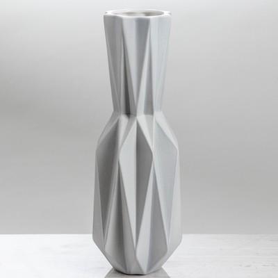 Ваза «Оригами № 2», серая, геометрическая
