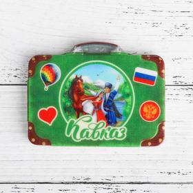 """Магнит в форме чемодана """"Кавказ.Герои"""""""