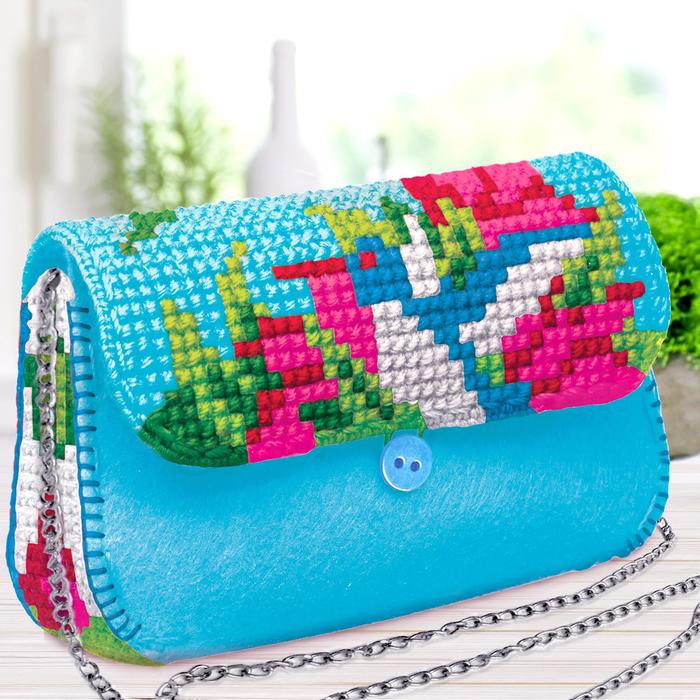 """Вышивка крестиком на сумочке """"Колибри"""", 7 цветов нити"""