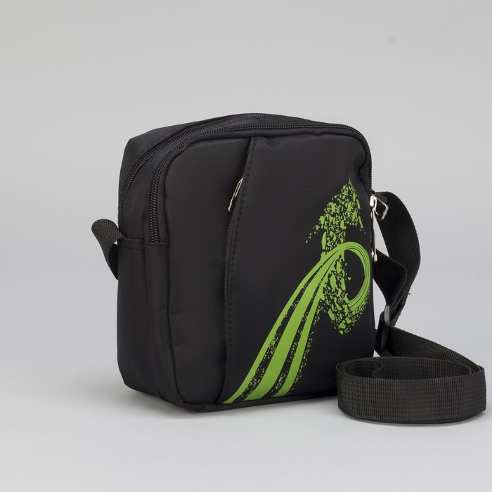Сумка молодёжная, 2 отдела, наружный карман, регулируемый ремень, цвет чёрный/зелёный