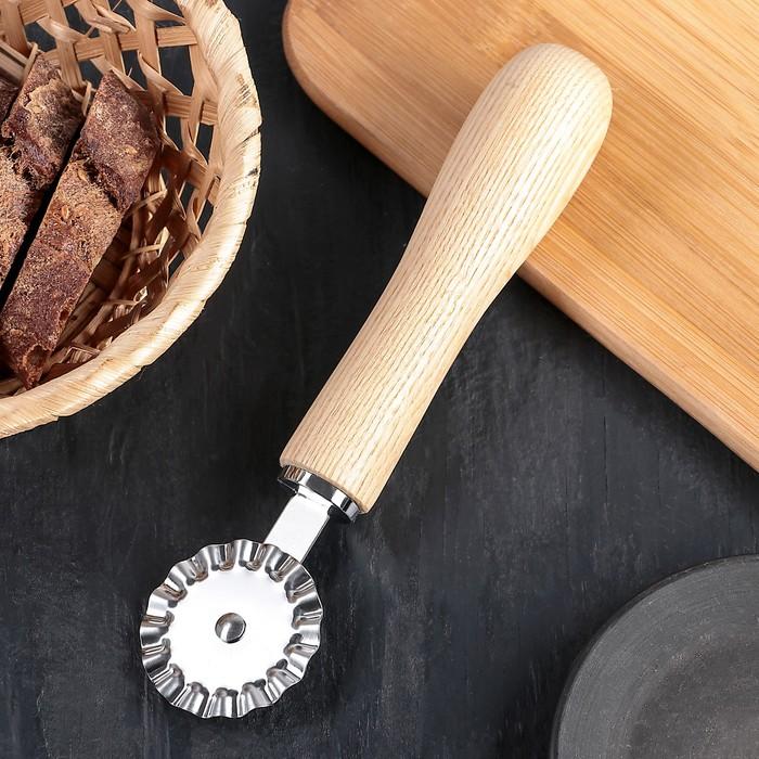 """Нож для пиццы и теста 18 см """"Кафу"""", ручка из бразильской гевеи - фото 183291570"""