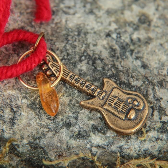 """Браслет-оберег """"Красная нить. Гитара"""" с подвеской, янтарь - фото 234148932"""