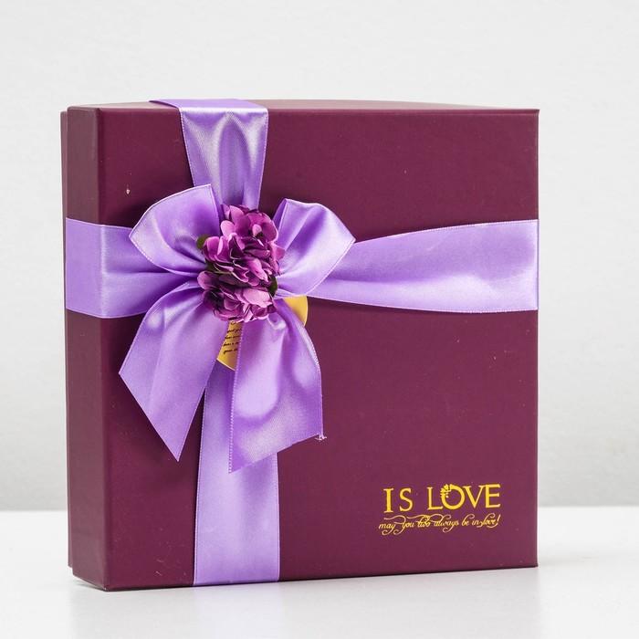Коробка подарочная 20 х 20 х 5 см