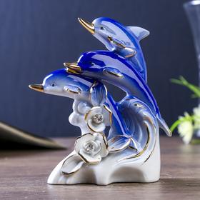 """Сувенир керамика """"Три дельфина с розами"""" синие с золотом, стразы 12,3х9,5х4,7 см"""