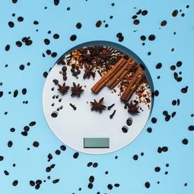 """Весы кухонные LuazON LVK-701, электронные, до 7 кг, рисунок """"Корица"""""""