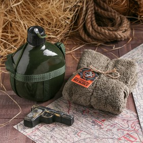 """A set of """"Real man"""", the 1l flask, 75 g soap, towel"""