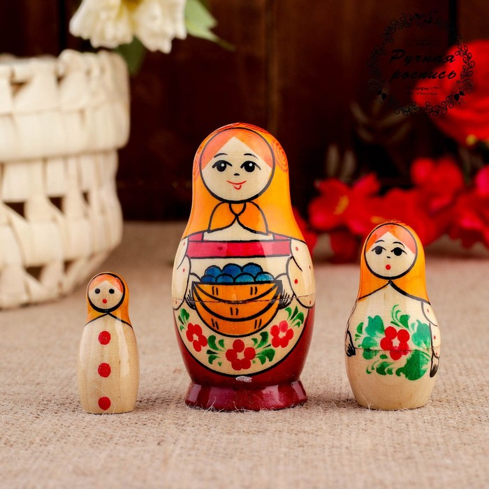 """Матрешка """"Вятская. С дарами"""", 3 кукольная, 8 х 4,2 см"""