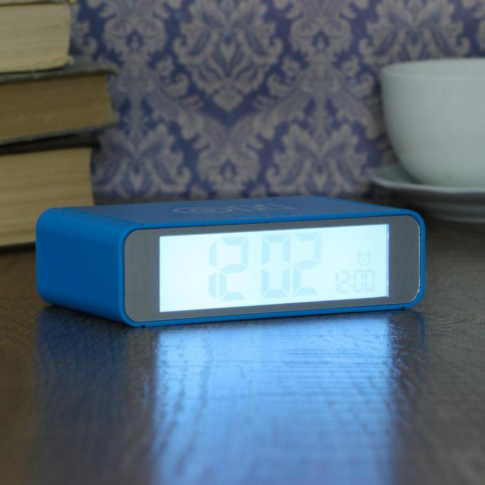 Электронные часы-будильник, выключение переворотом, подсветка, дата, 2ААА, 12×7×4 см, МИКС