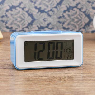 Часы-будильник электронные, с подсветкой, температура, дата, батарея 2ААА, 11х4.5х5 см