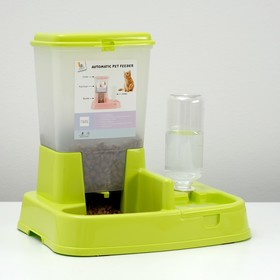 Комплекс: контейнер для корма (1,5 кг), съемная миска и поилка, зеленый