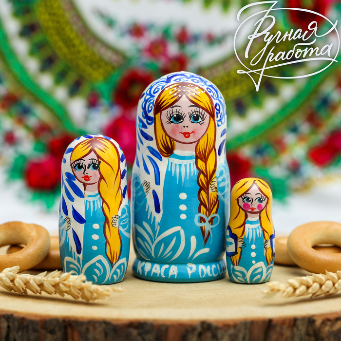 Матрёшка 3-х кукольная «Плетёт косу» - фото 798141718