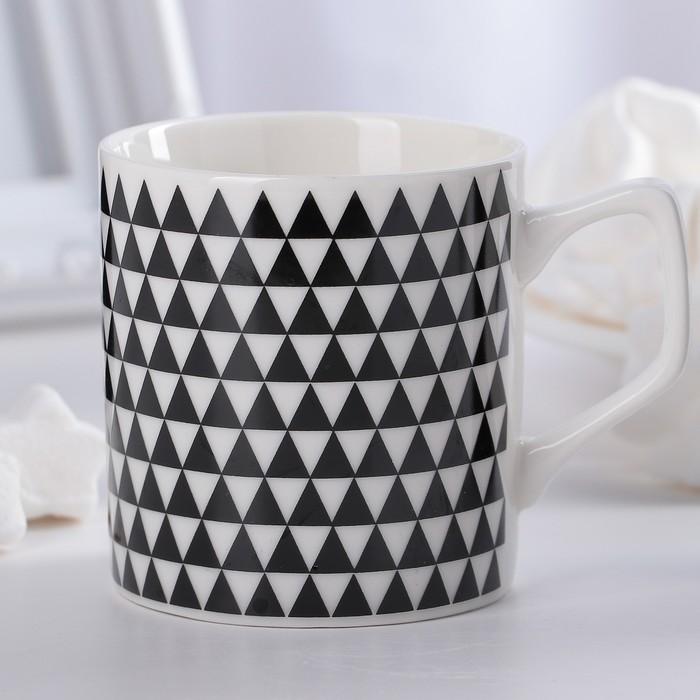 """Кружка 200 мл """"Треугольники"""", цвет чёрно-белый"""
