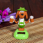 """Pendulum plastic solar cells """"Doggie with mugs of beer"""" 10. 5x9,3x6 cm"""