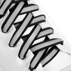 Шнурки для обуви, пара, плоские, со светоотражающей полосой, 10 мм, 110 см, цвет чёрный