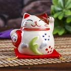 "Сувенир кот копилка керамика ""Манэки-нэко с маской на подушке"" 6,5х7,5х6,3 см"