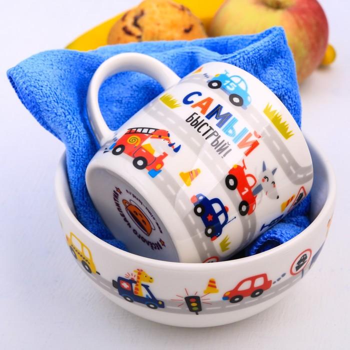 """Набор детской посуды """"Гонщик"""", кружка 250 мл, тарелка глубокая 13 см, полотенце 30 х 30 см"""
