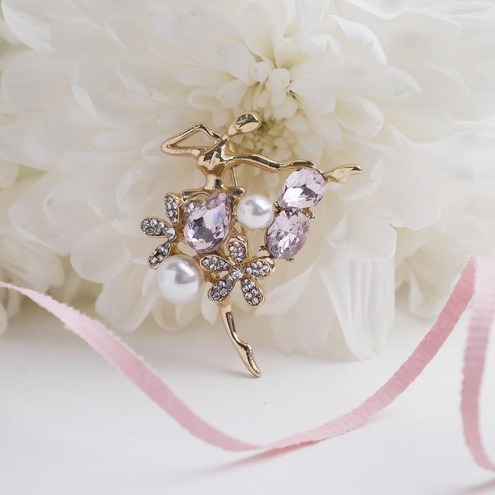 бело-розовый в золоте