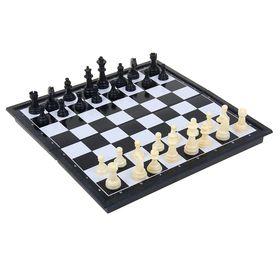 Шахматы настольные, поле 24 × 24 см, чёрное белое, в коробке Ош