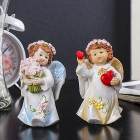 """Сувенир полистоун """"Ангел в нежном платье в розовом венке с сердцем/букетом"""" МИКС 12х7х6 см"""
