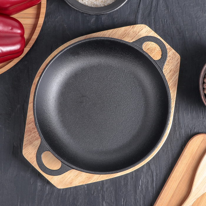 Сковорода «Жаровня», d=19 см, на деревянной подставке