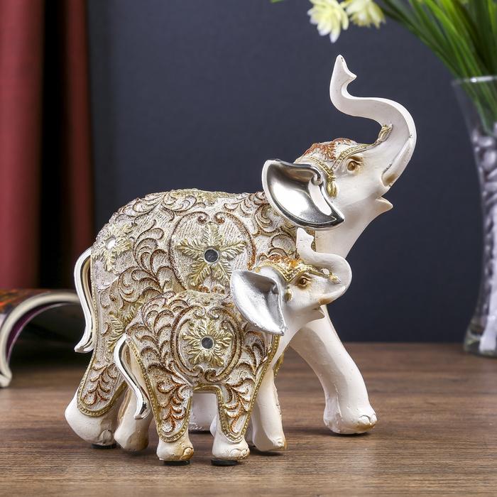 """Сувенир полистоун """"Белый слон со слонёнком с ажурным цветочным рисунком"""" 14,7х9,4х16 см"""