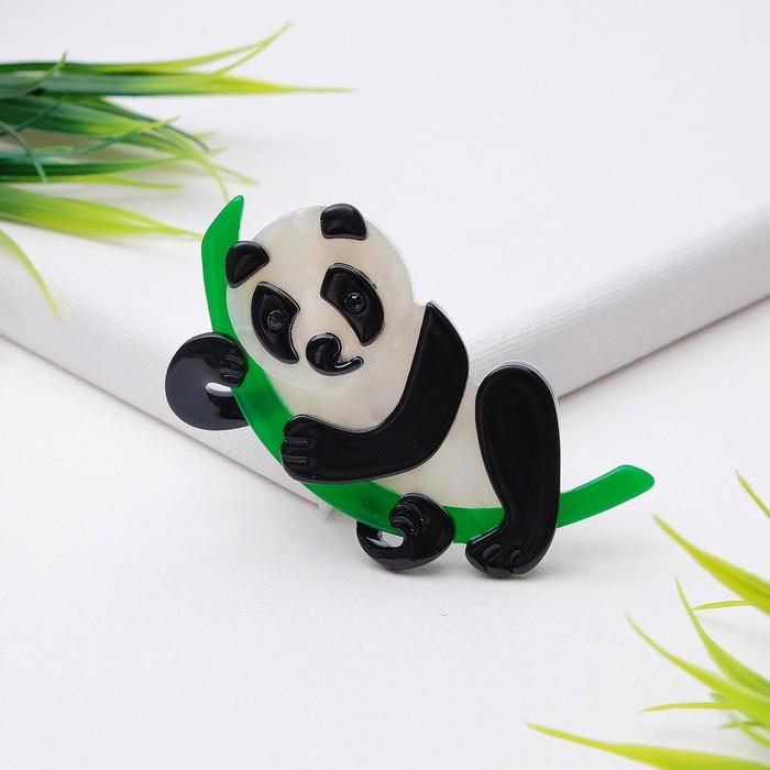 """Брошь """"Панда на бамбуке"""""""