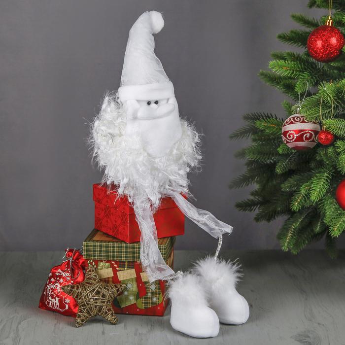 """Мягкая игрушка """"Дед Мороз в кружевных штанишках"""""""